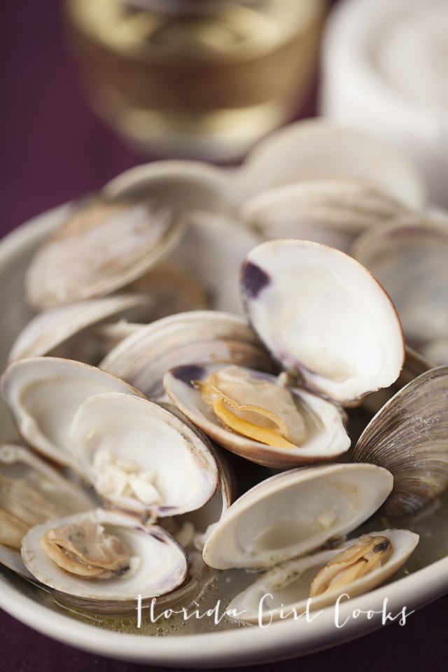 littleneck clams, seafood, dinner, quick dinner, weeknight eating, cooking with wine