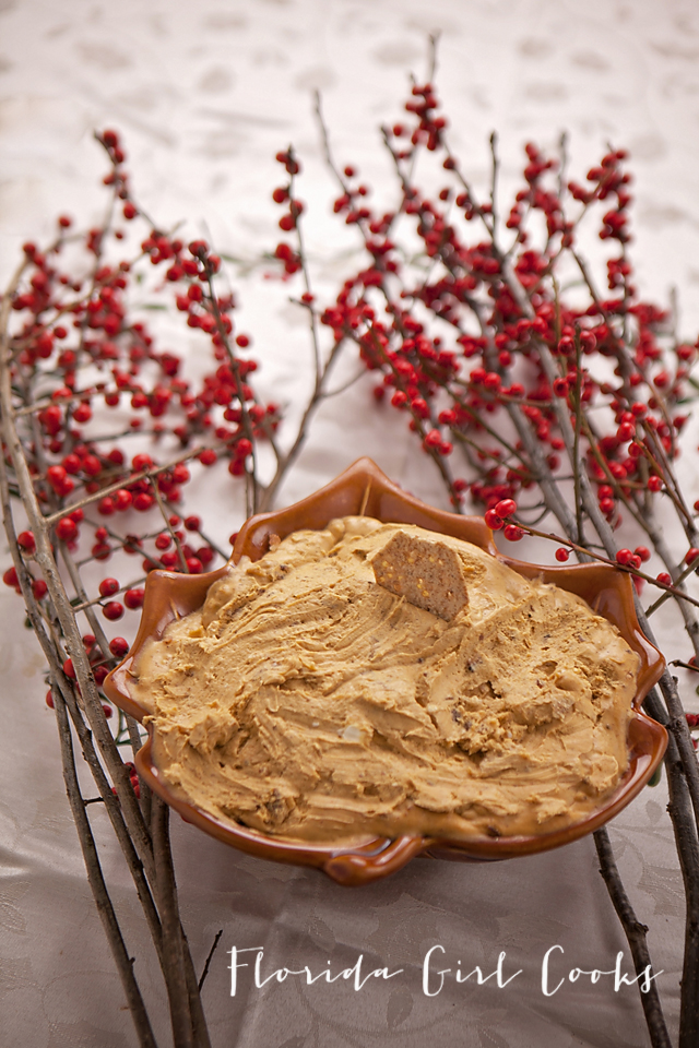 savory pumpkin pecan spread, pumpkin dip, pumpkin season, thanksgiving, christmas, holidays, holiday entertaining, bacon